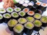 príprava sushi so sushi majstrom