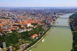 let lietadlom nad Bratislavou