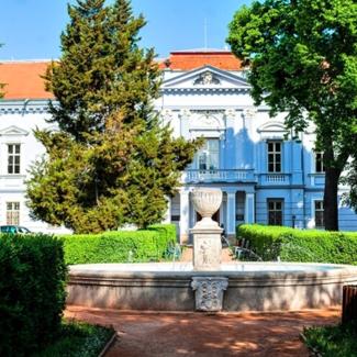 - Náš tip: Romantický pobyt v sídle Grófa Huňadyho