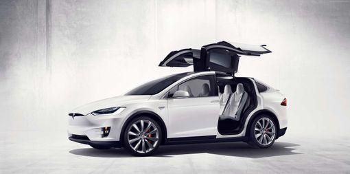 Jazda na Tesle Model X