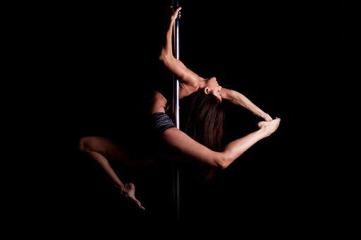Pole dance - tanec na tyči