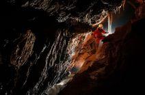 Prechod Malou Stanišovskou jaskyňou so skúsenými jaskyniarmi