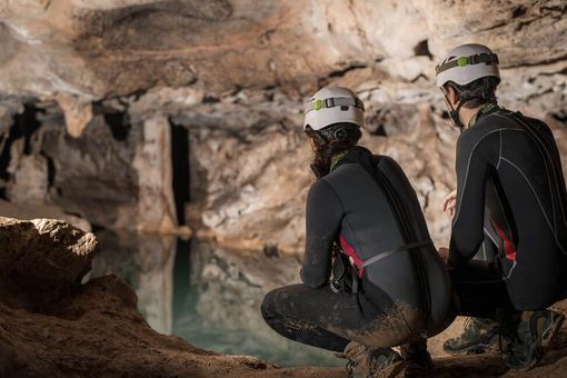 Rande v jaskyni