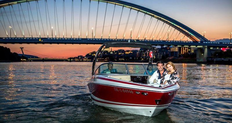 Dunaj na plný plyn speedboatom