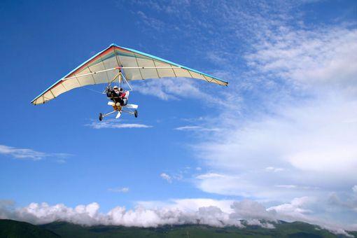 Let motorovým rogalom